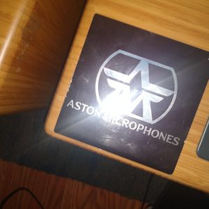 Aston Martin phones Speakers Like New for Sale in Lynn, MA
