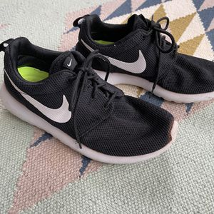 Nike Roshe Run Shoes for Sale in Kirkland, WA