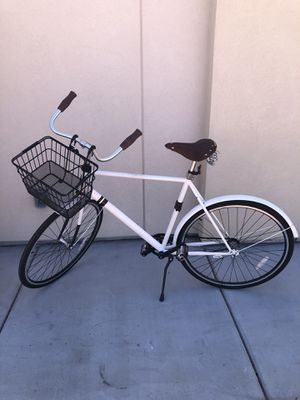 SOLE CITY CRUISER BICYCLE w/basket for Sale in Las Vegas, NV