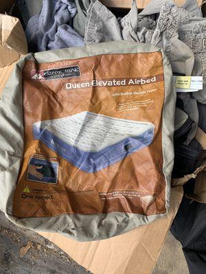 Ozark trail queen air mattress for Sale in Boca Raton, FL