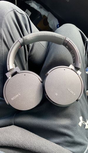 Sony Bluetooth headphones for Sale in Baytown, TX