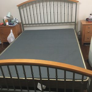 Queen Bedframe and Boxspring for Sale in St. Louis, MO