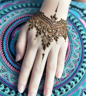 Henna/ Mehndi/ Tattoo Art is Super Fun for Sale in Irving, TX
