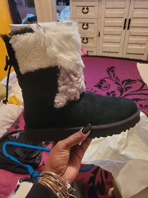 Women Ugg Boots for Sale in Crete, IL