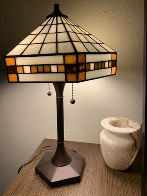 """Tiffany Style Table Lamp 18"""" Stained Glass for Sale in Bellevue, WA"""