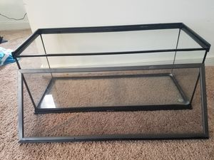 20 Gallon tank with top for Sale in North Chesterfield, VA
