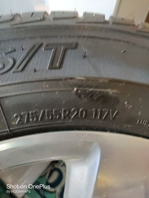 Chevy stocks 20s brand new tires for Sale in Kingsburg, CA