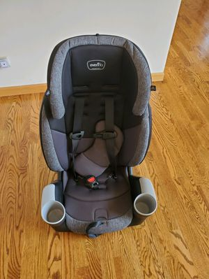 Evenflo Maestro Sport Harness Booster Car Seat - Aspen Skies for Sale in Chicago, IL