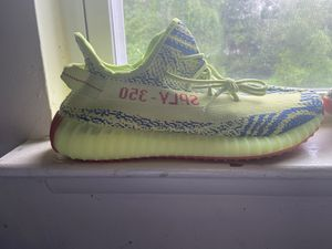 Yeezy semi yellow 350 for Sale in Woodlawn, MD
