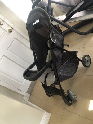 GRACO car seat with base and stroller for Sale in Miami, FL