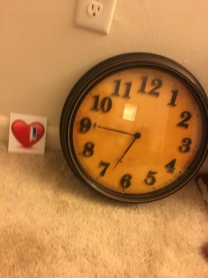 Vintage wall clock for Sale in Cleveland, OH