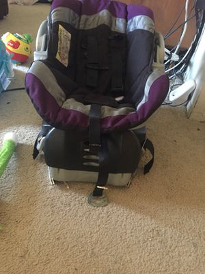 Infant car seat with base for Sale in Detroit, MI