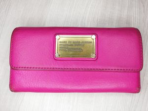 Marc by Marc Jacob's pink leather tri-fold wallet for Sale in Lodi, CA