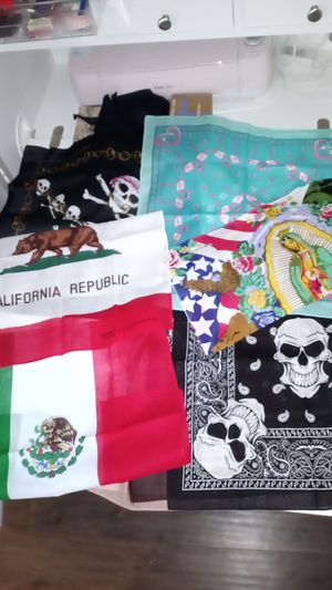 5 print bandanas 11 x 11 for Sale in Chino Hills, CA