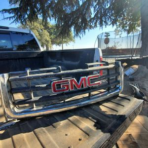 Parrilla Para GMC Sierra for Sale in Kerman, CA