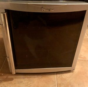 Wine cooler/ refrigerator for Sale in Gainesville, VA