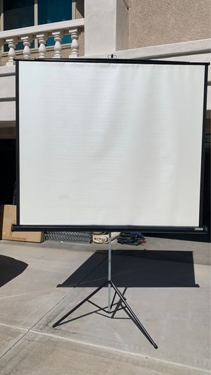 6' x 5' portable projector screen for Sale in Litchfield Park, AZ