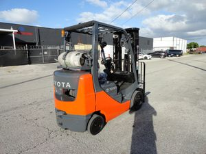2011 Toyota forklift 5,000lbs capacity completely refurbished for Sale in Davie, FL