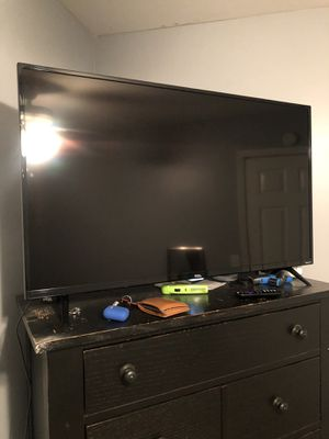 "43"" TCL 4K Roku Smart TV for Sale in Woodstock, GA"