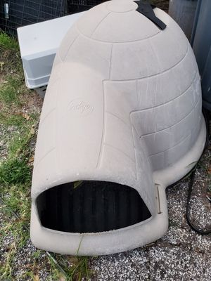 Medium dog house igloo for Sale in Euless, TX