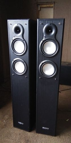 THEATER LOGIC Home Entertainment Tower Speakers for Sale in New Eagle,  PA