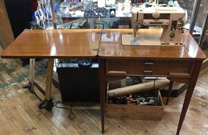 Singer 401A w/ table for Sale in Tacoma, WA