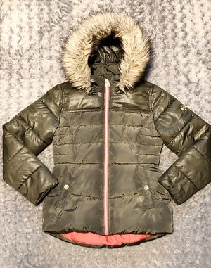 Michael Kors Girls puffer jacket paid $120 size 14 Great condition! Color Olive green with removable hood. No rips tears or stains super cute pink li for Sale in Washington, DC