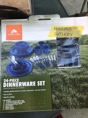 Ozark Trail Camping Dinnerware Set for Sale in Lima, OH