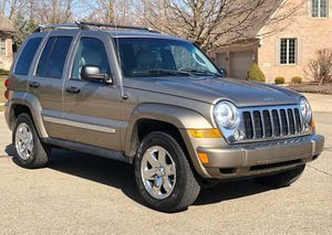 2005 Jeep liberty fully loaded for Sale in Des Moines, IA