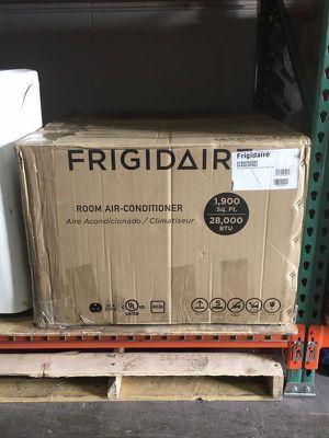 Frigidaire 28,000 BTU Window Air Conditioner Aire Acondicionado de Ventana for Sale in Miami, FL