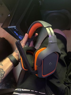 Logitech G321 Gaming Headset for Sale in Emerson, NJ