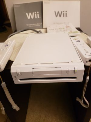 Wii Gaming System with 4 Controllers for Sale in Indianapolis, IN