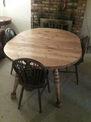 Vintage dining table and 4 chairs for Sale in Chula Vista, CA