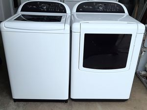 Washer and Dryer set Whirlpool Cabrio (FREE DELIVERY & INSTALLATION) for Sale in Hialeah, FL
