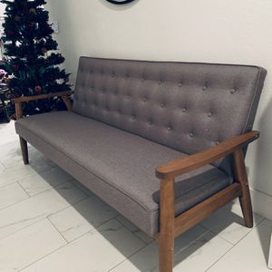 Tufted Gray Linen Sofa / Couch With Wooden Legs for Sale in Peoria, AZ