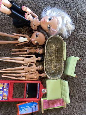 Dolls/Barbie/munecas/Bratz/ toys for Sale in Santa Ana, CA