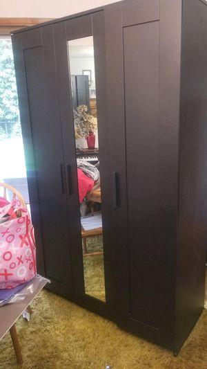 Wardrobe dresser for Sale in Lakewood, WA