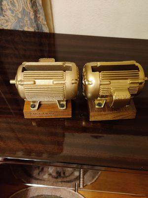 Baldor electric company metal samples use as decoration for table or desk to keep pen or paper note for Sale in Roselle, IL