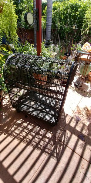 Bird cage large for Sale in Los Angeles, CA