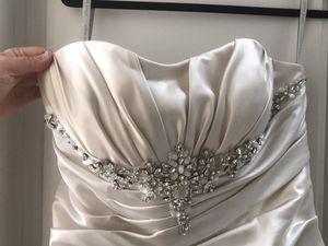 Alfred Angelo Wedding Dress for Sale in Jurupa Valley, CA
