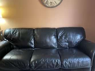 Real Leather Sofa for Sale in Beavercreek,  OR
