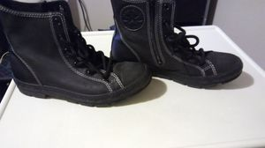 Leather converse boots size 5.5 youth excellent condition for Sale in Bronx, NY