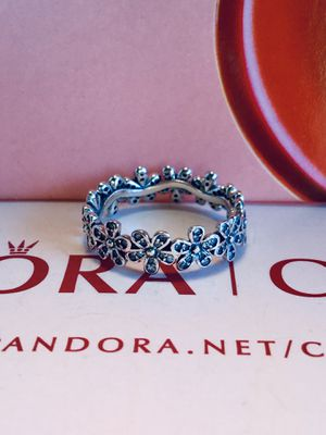 Authentic pandora daisies ring size 6 Comes with dust bag I do only ship through OfferUp for Sale in Santa Rosa, CA