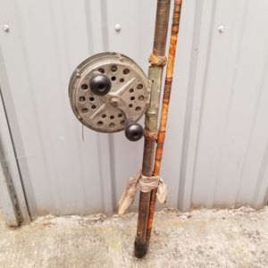 Vintage Fishing Rod with Pfleuger Knuckle Buster Reel for Sale in Bellevue, WA