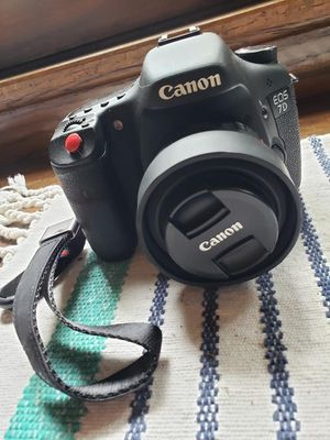 Canon 7D DSLR camera with lenses and accessories for Sale in Oak Lawn, IL