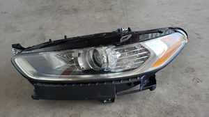 2013 2014 2015 2016 FORD FUSION HALOGEN HEADLIGHT OEM DRIVER SIDE for Sale in Hawthorne, CA