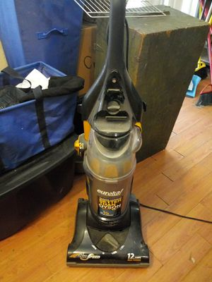 Eureka vacuum for Sale in San Antonio, TX