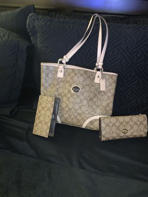 Coach Handbag and wallet for Sale in Whittier, CA