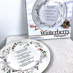 NWT- Christmas Dinner Plate Winterberry for Sale in Delta, CO