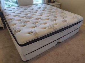 Beautyrest Pillow Top King Size Mattress for Sale in Gila Bend, AZ